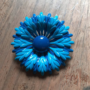 60s Mod Big Flower Power Brooch